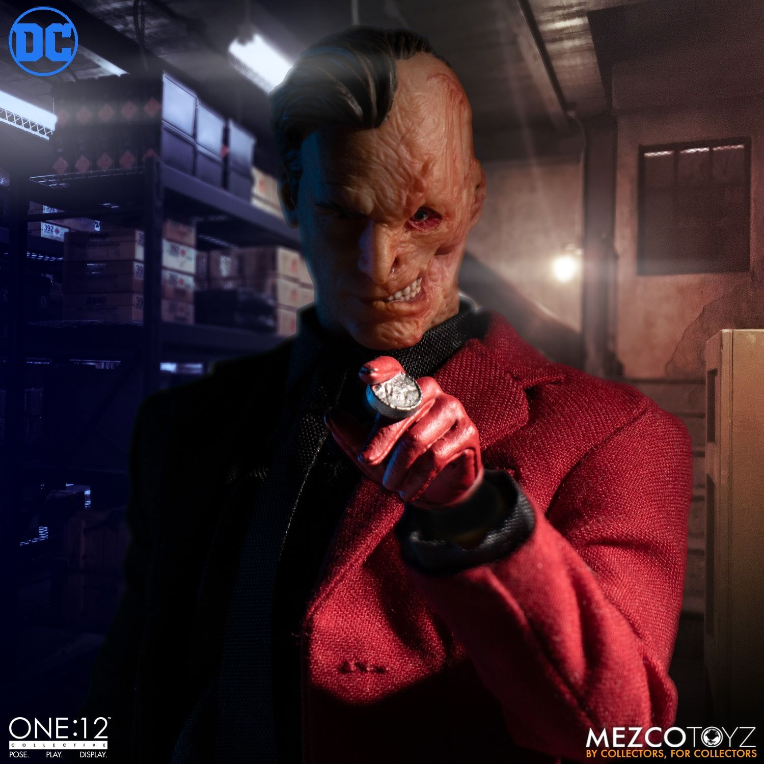 Pre-Order Mezco One:12 Collective DC Comics Two-Face Figure