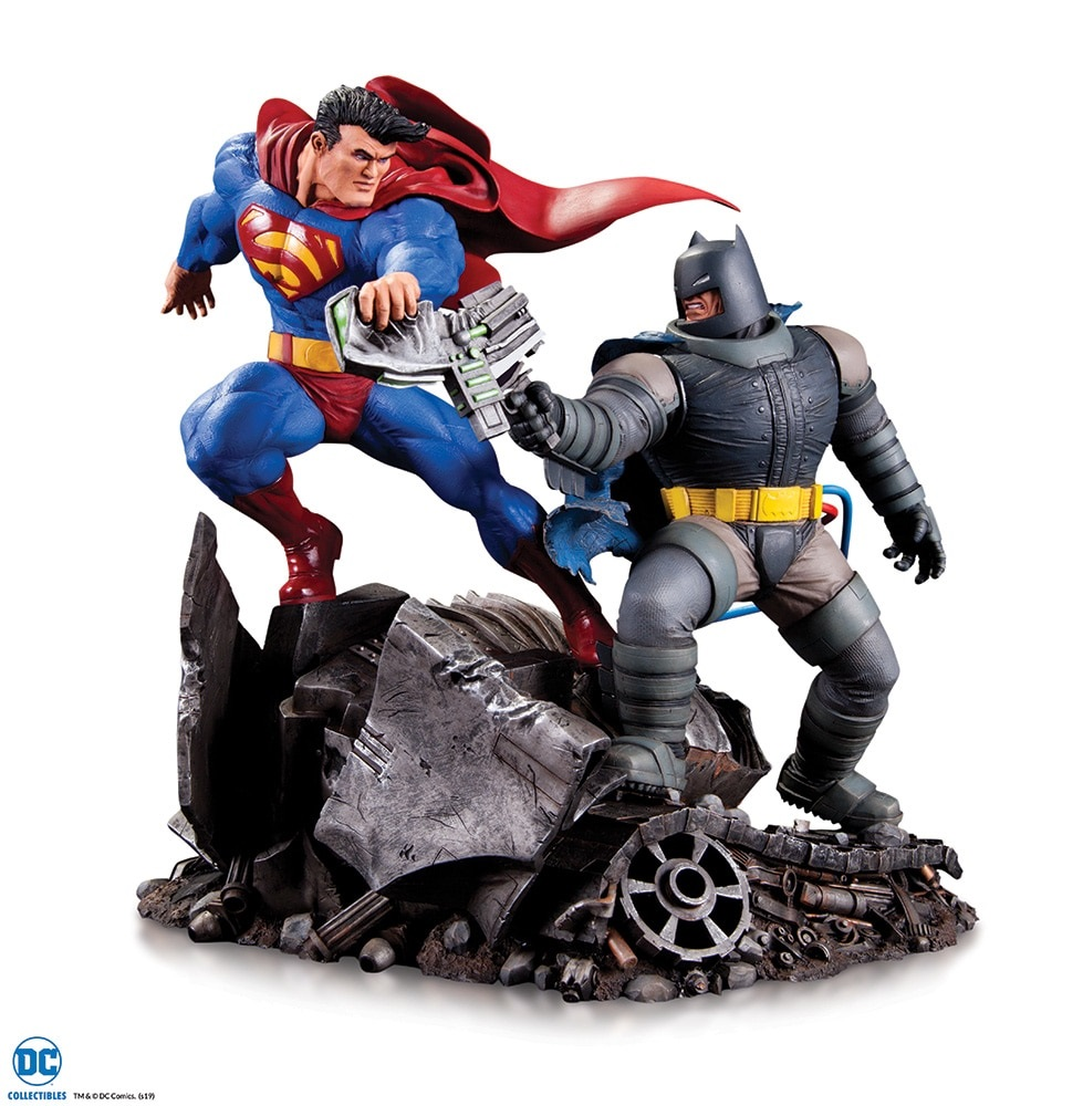 Pre-Order DC Comics Batman vs Superman Mini Statue