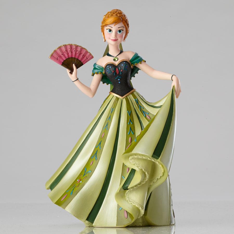 Disney showcase frozen anna couture de force figurine for Couture de force elsa