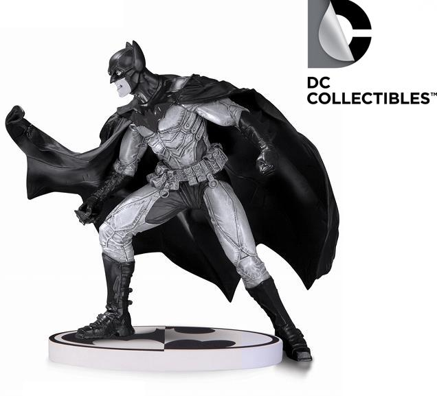 DC Comics Batman Black & White Lee Bermejo V2 Statue