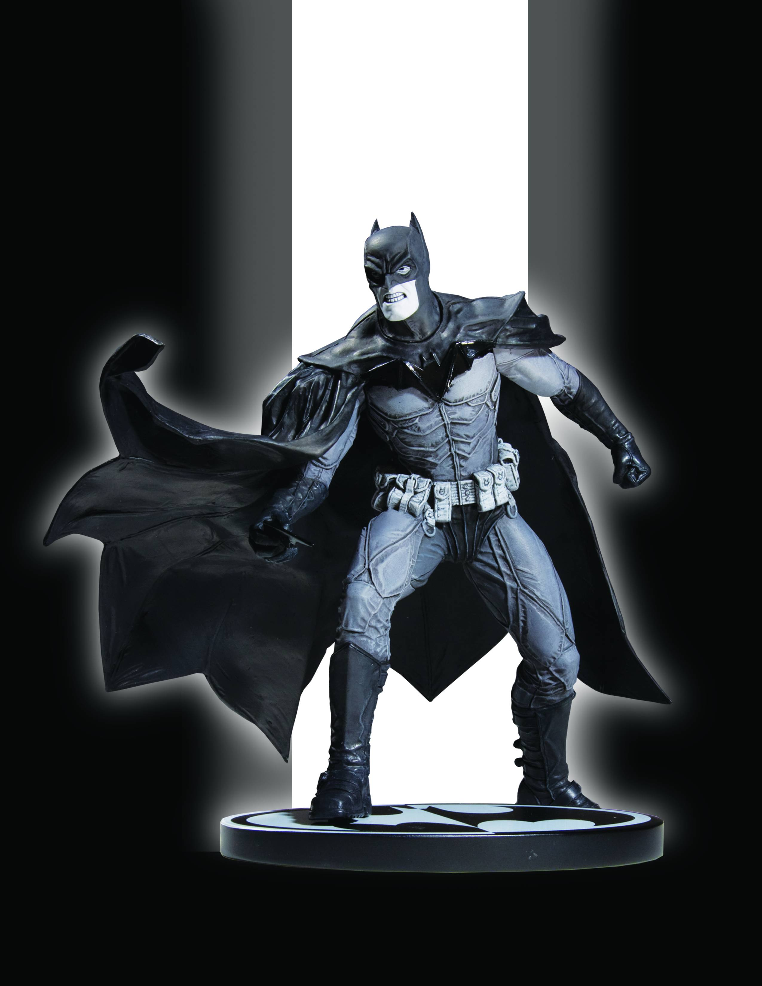DC Comics Batman Black & White Lee Bermejo Statue