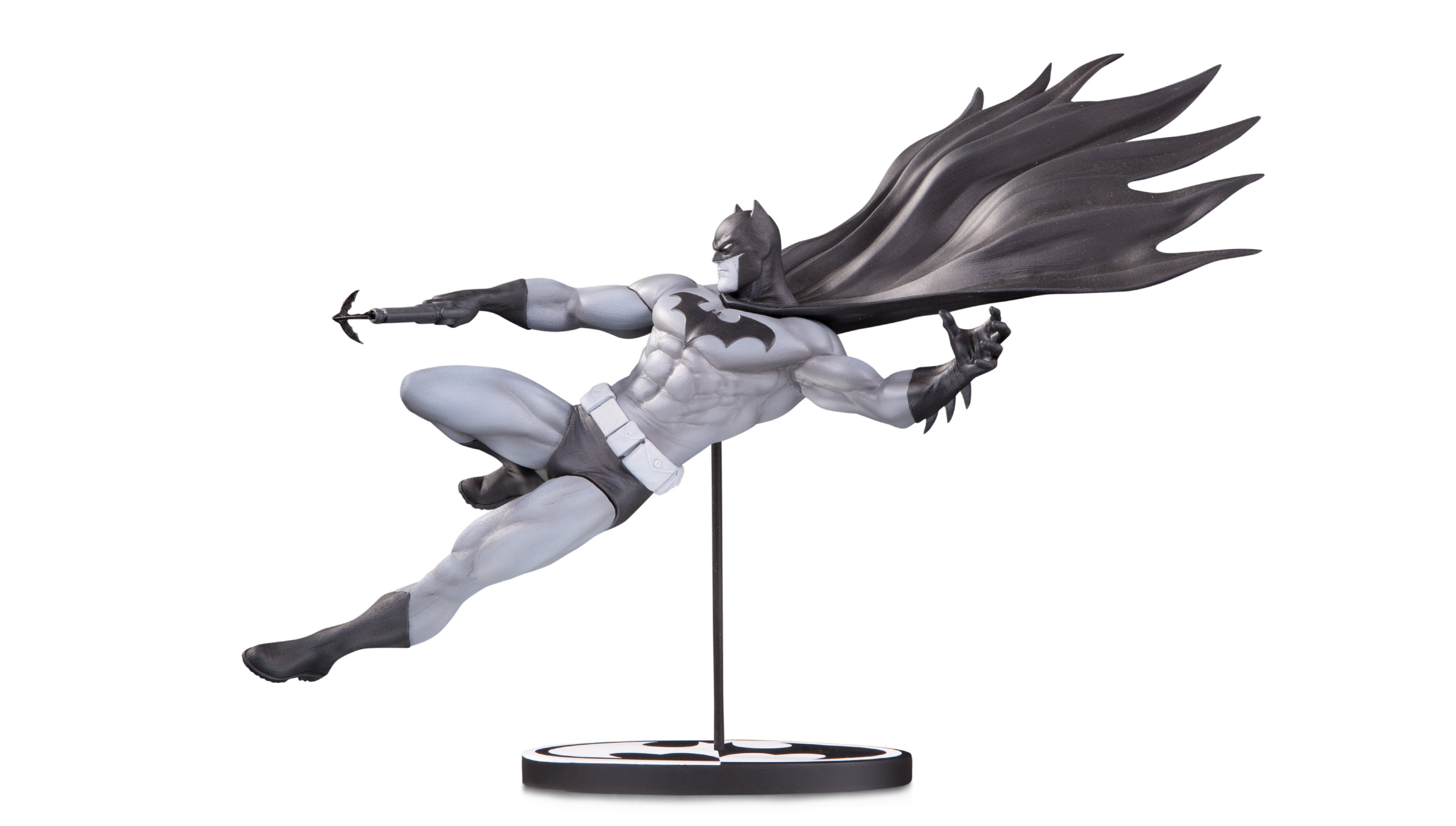 DC Comics Batman Black & White Mahnke Statue