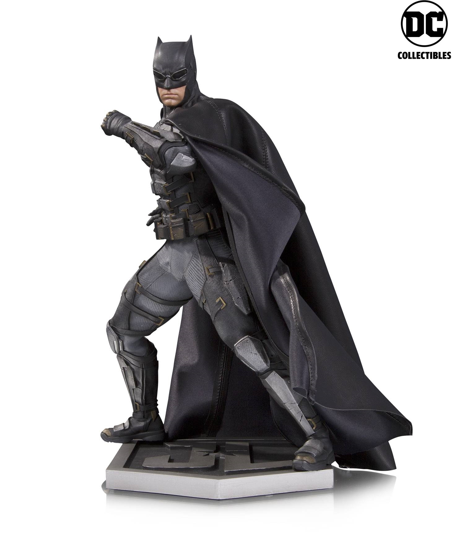 DC Comics Justice League Movie Batman Tactical Suit Statue