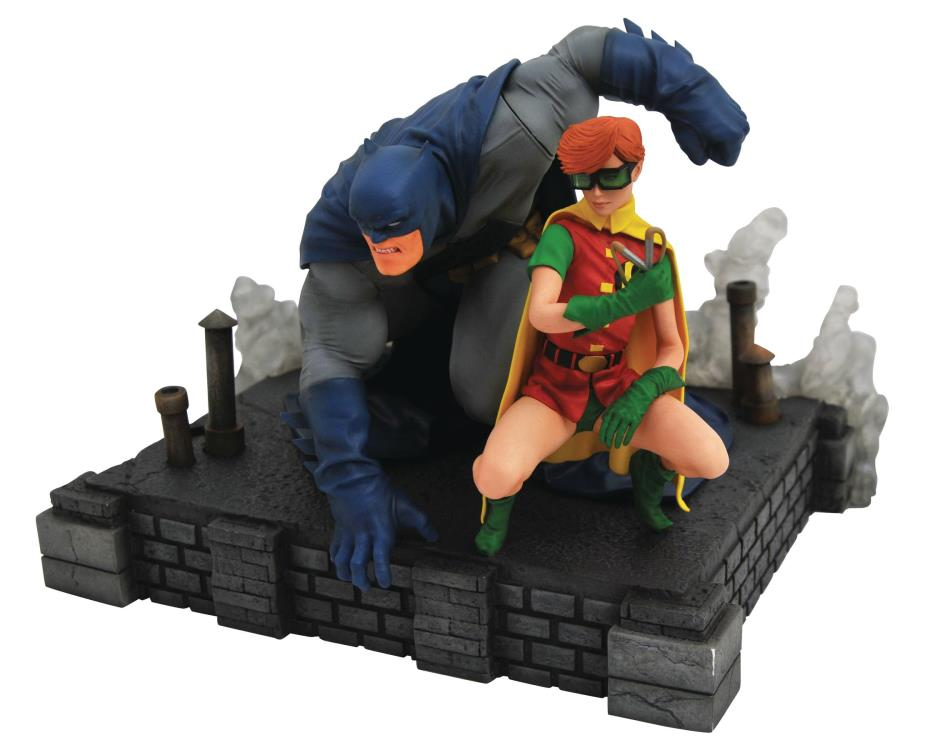 Diamond DC Comics Gallery Dark Knight Returns Deluxe Statue