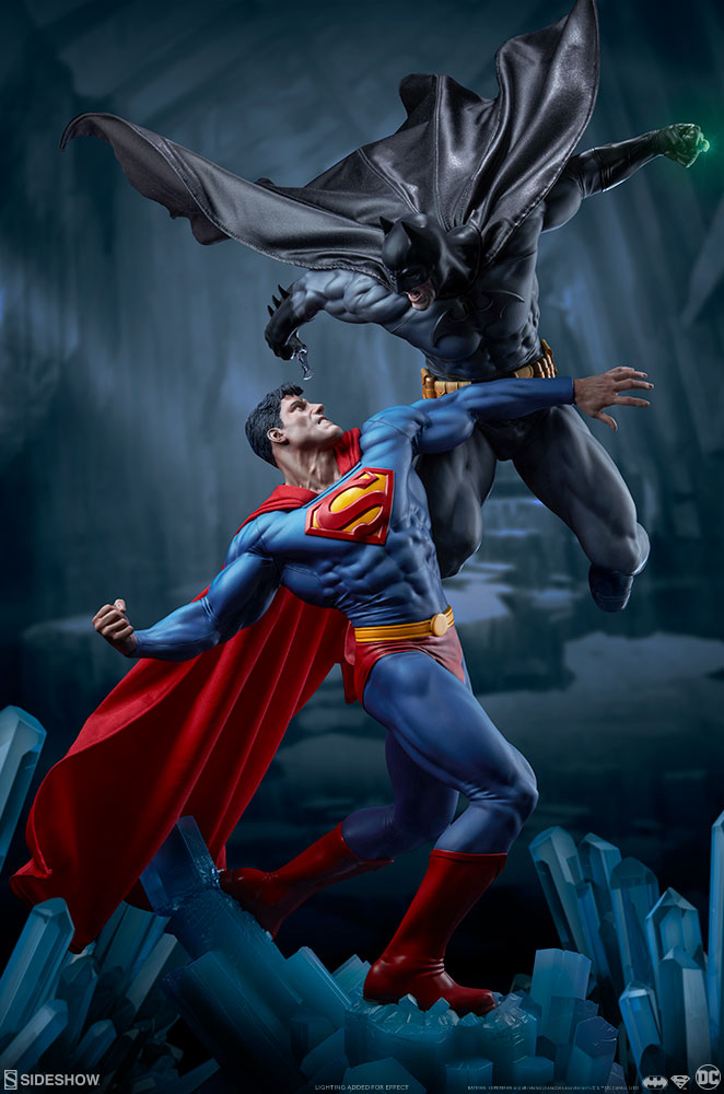 Sideshow DC Comics Batman vs. Superman Diorama