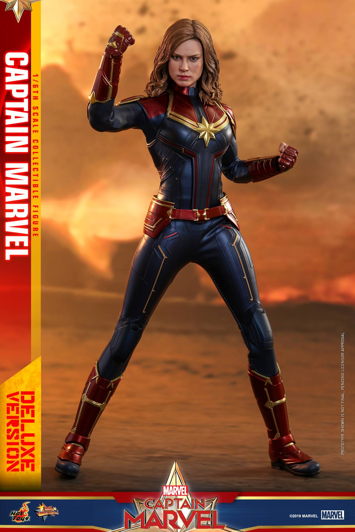 Hot Toys Marvel Captain Marvel Deluxe Sixth Scale Figure