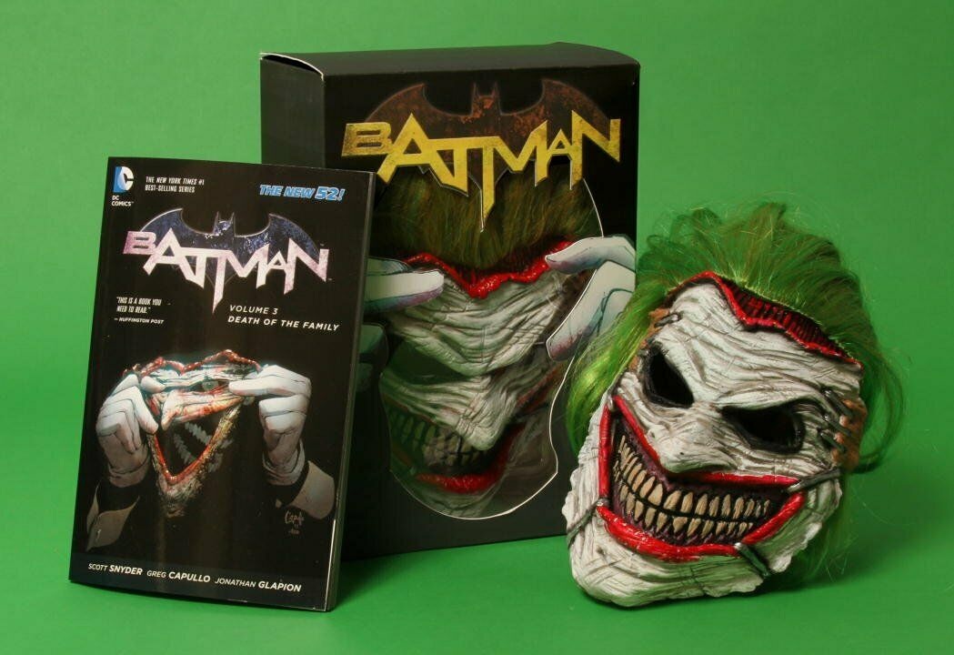 DC Comics Joker Death of the Family Mask & Book Set