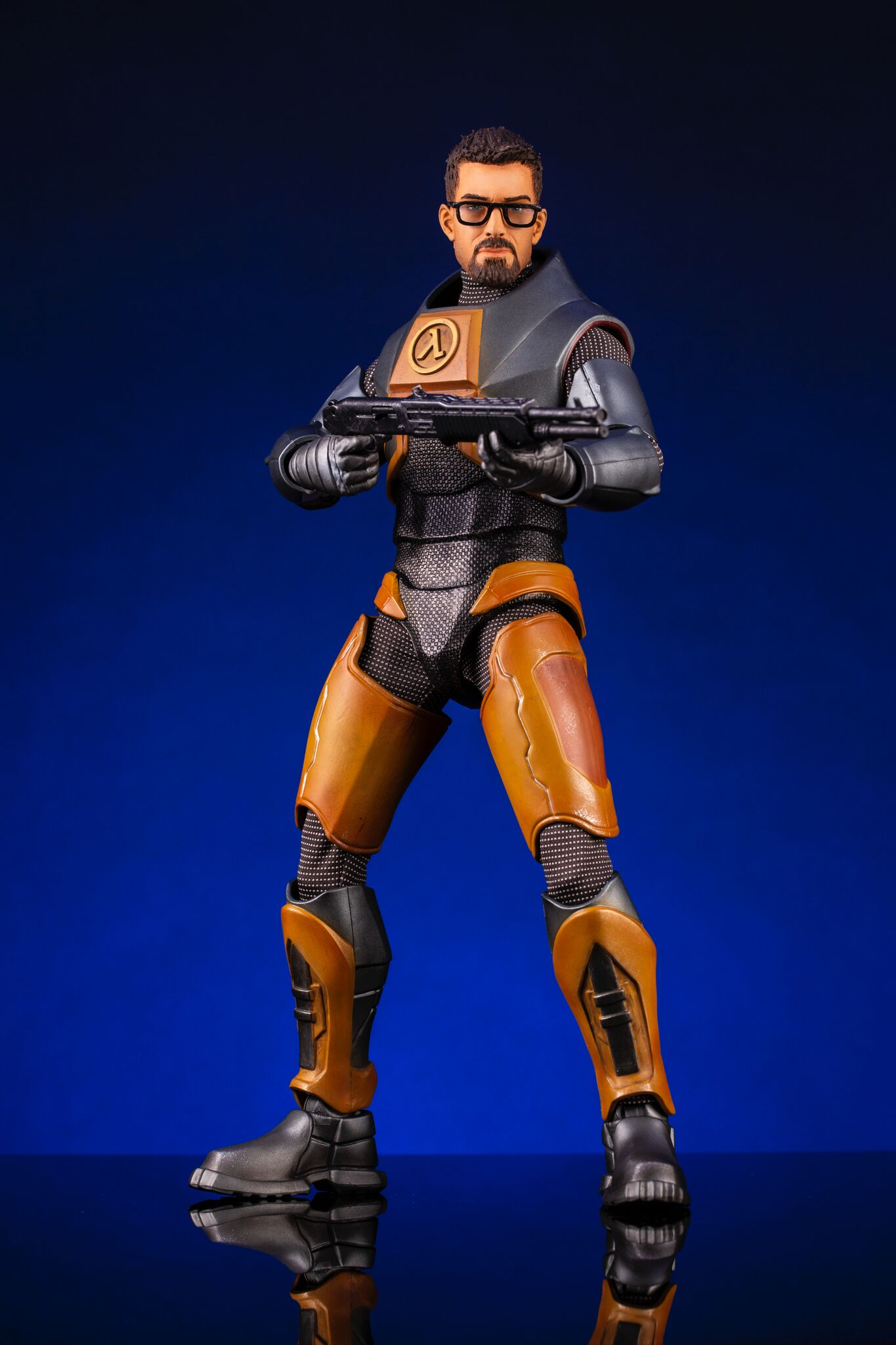 Pre-Order Mondo Half Life 2 Gordon Freeman Sixth Scale Figure
