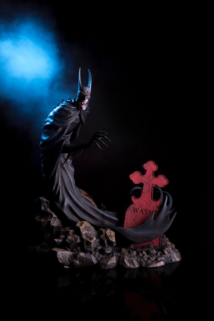 Mondo DC Comics Batman Red Rain Statue