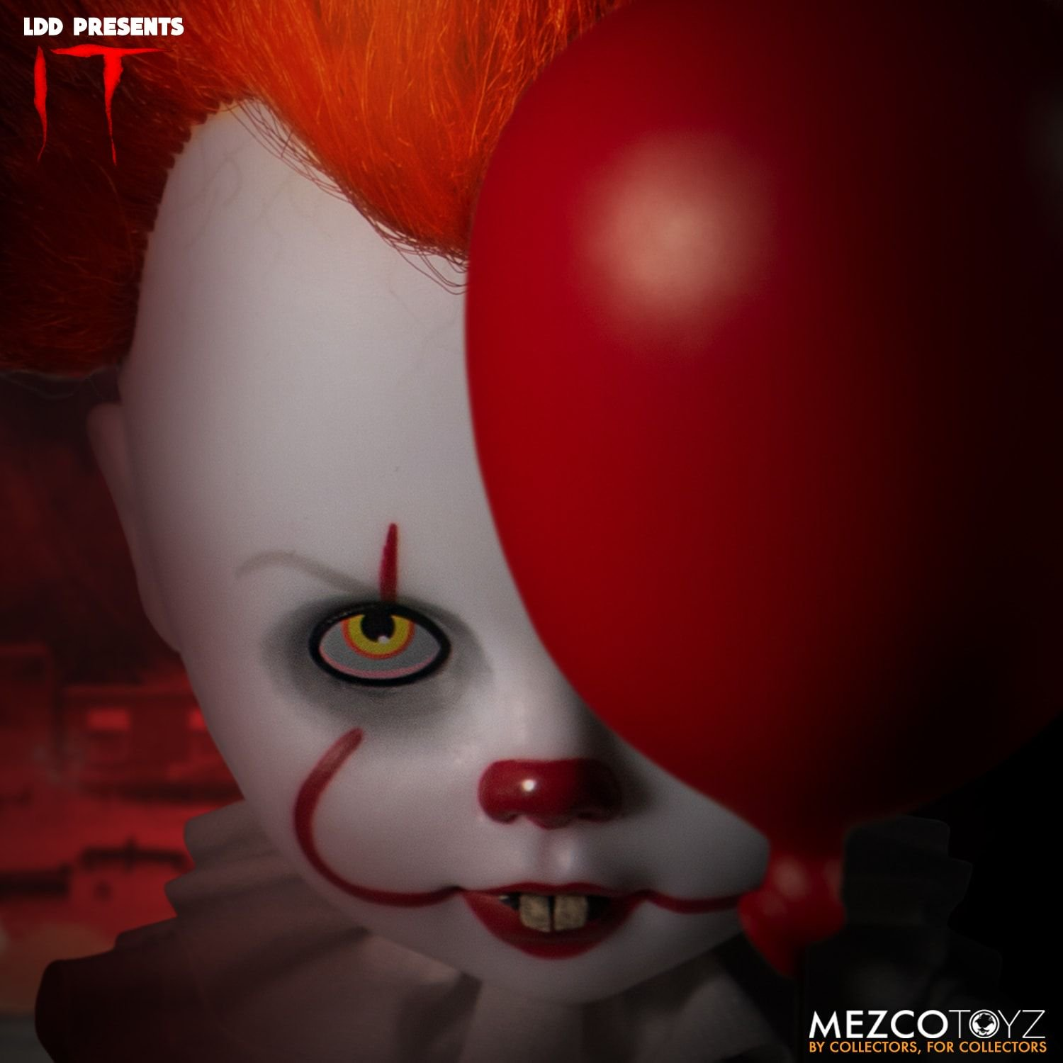 Pre-Order Mezco Pennywise It 2017 Living Dead Doll