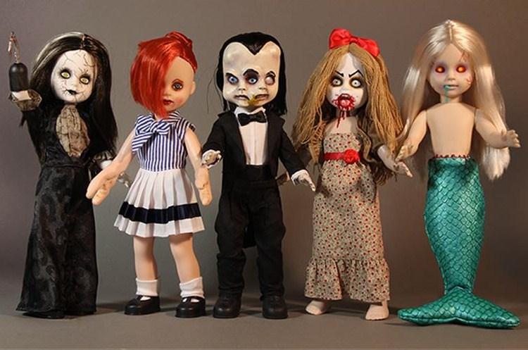 Dolls & Bears Aggressive Living Dead Dolls Annabelle