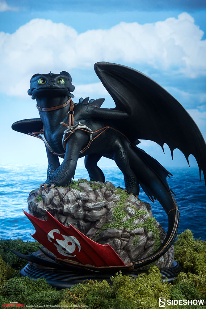 Pre-Order Sideshow How to Train Your Dragon Toothless Statue